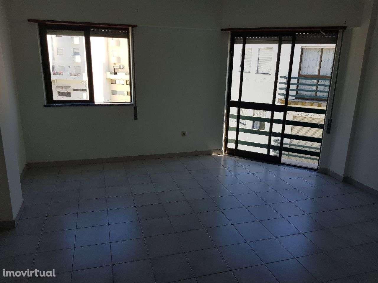 Apartamento para arrendar, Santarém (Marvila), Santa Iria da Ribeira de Santarém, Santarém (São Salvador) e Santarém (São Nicolau), Santarém - Foto 2
