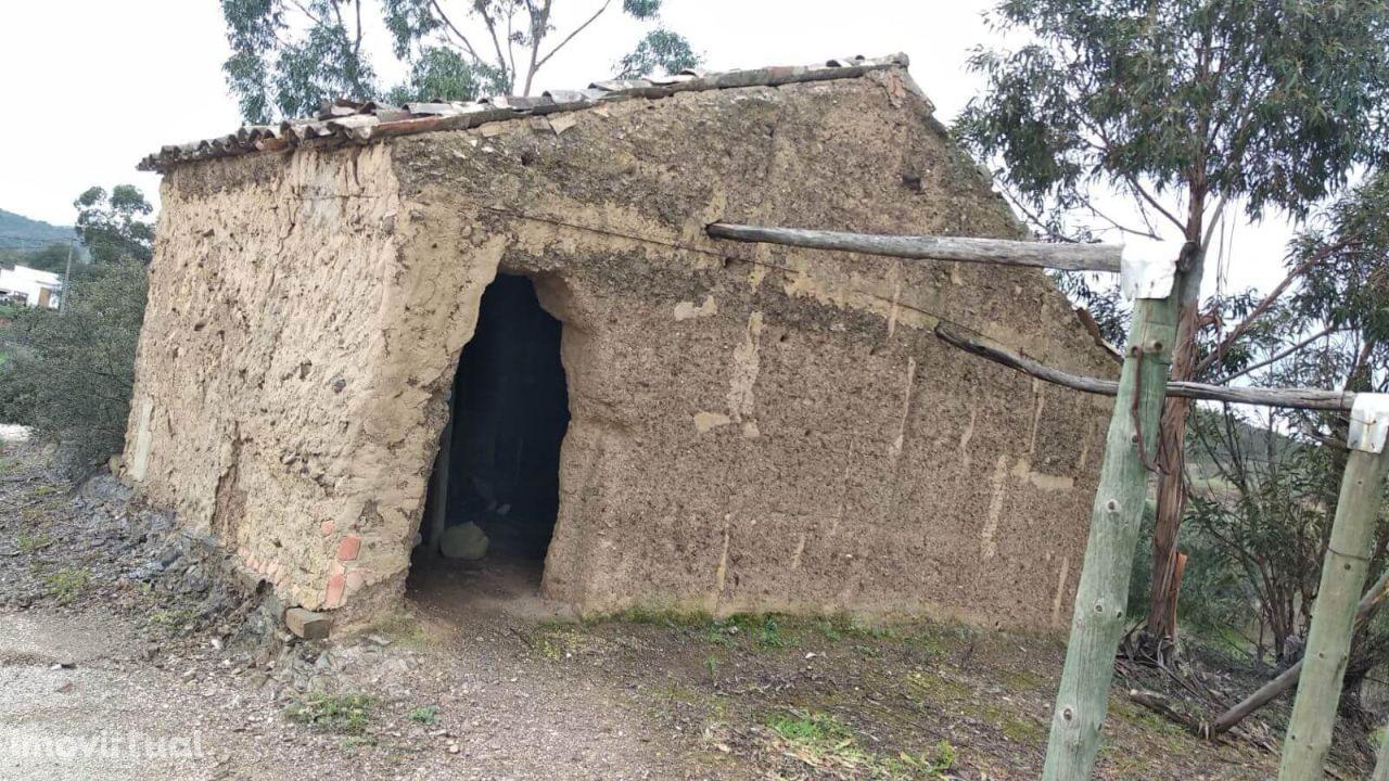 Armazém para reconstruir - Venda - São Bartolomeu de Messines