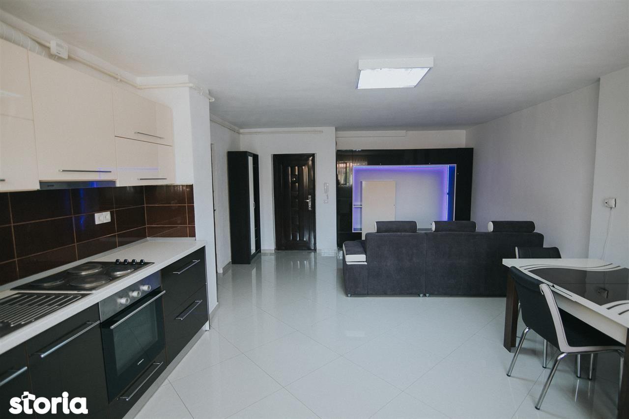 Apartament cu 3 camere, 65 mp utili - Zona Strand II