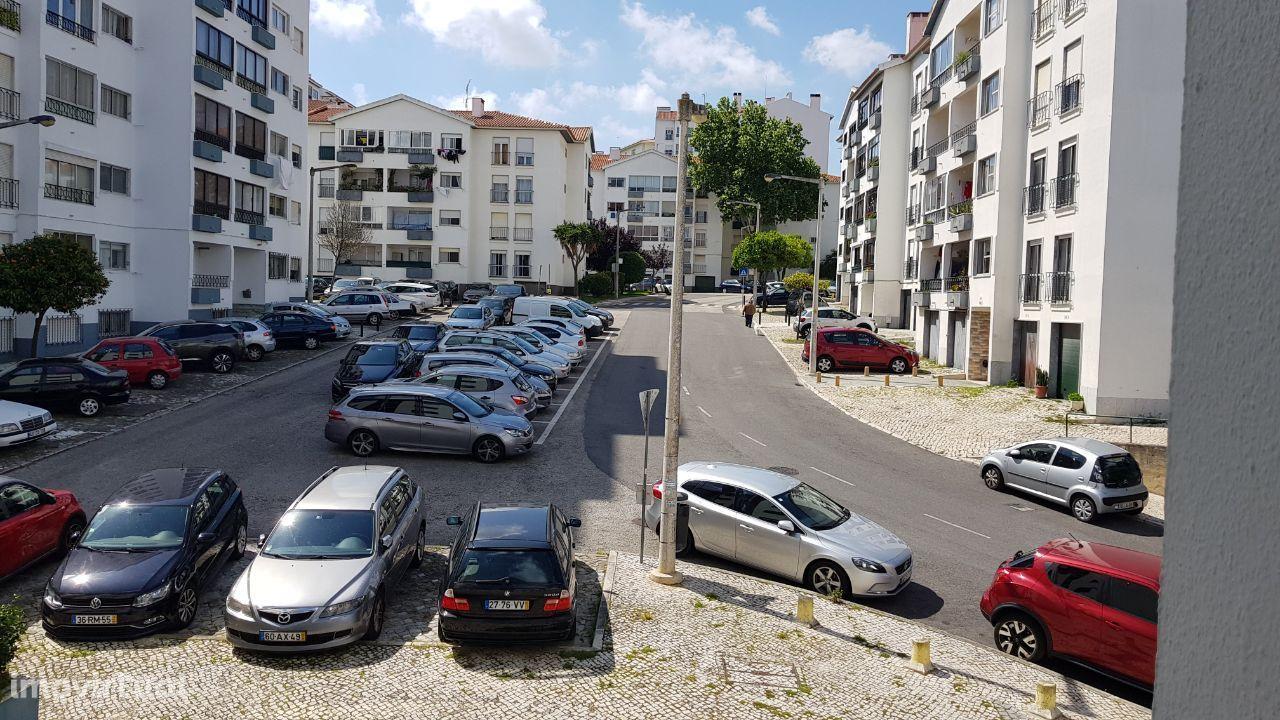 Cascais Alto da Castelhana apartamento T3 com garagem fechada