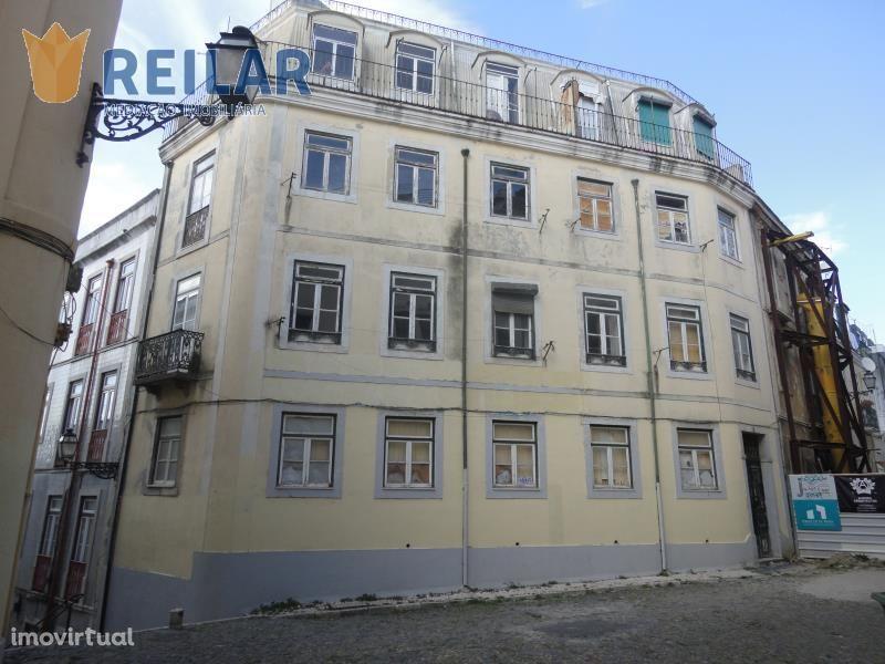 Castelo - Prédio Investimento - € 1.500.000