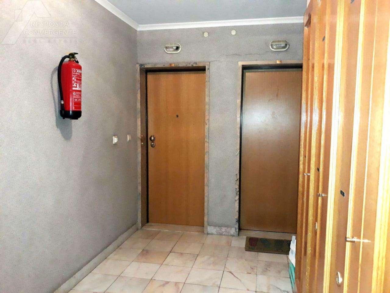 Apartamento para comprar, Carnaxide e Queijas, Lisboa - Foto 13