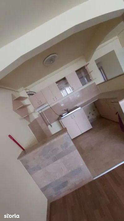 Apartament cu 2 camere de vânzare, in Apahida