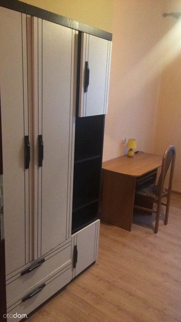 Umeblowany pokój dla kobiety na starym Bielsku