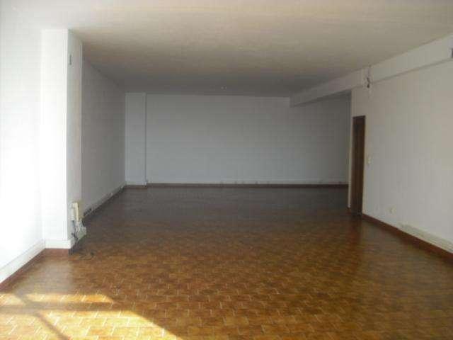 Loja para comprar, Rua do Clube dos Caçadores, Mafamude e Vilar do Paraíso - Foto 2