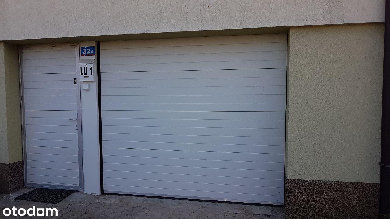 Garaż do wynajęcia blisko Auchan Rumia 50 m2