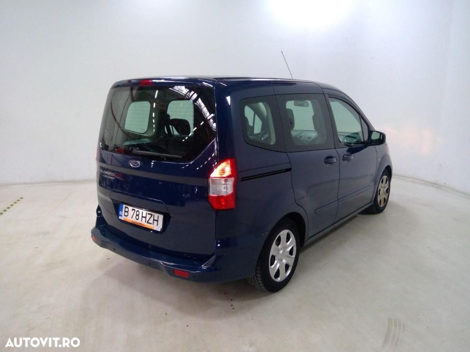 Ford Tourneo Courier 1.5 - 2