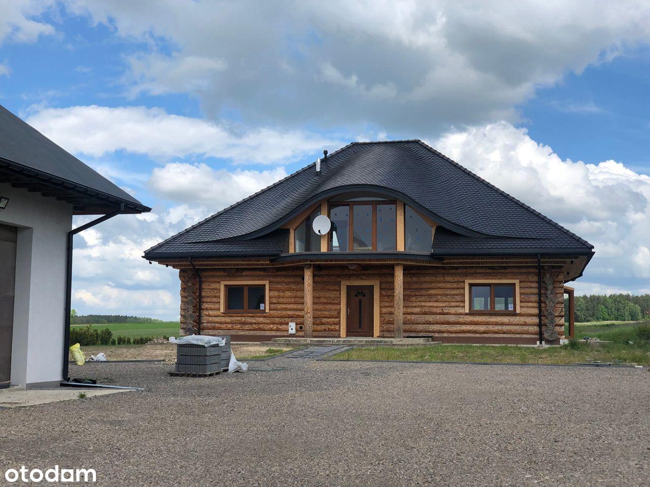 Dom drewniany z bali z halą i działką