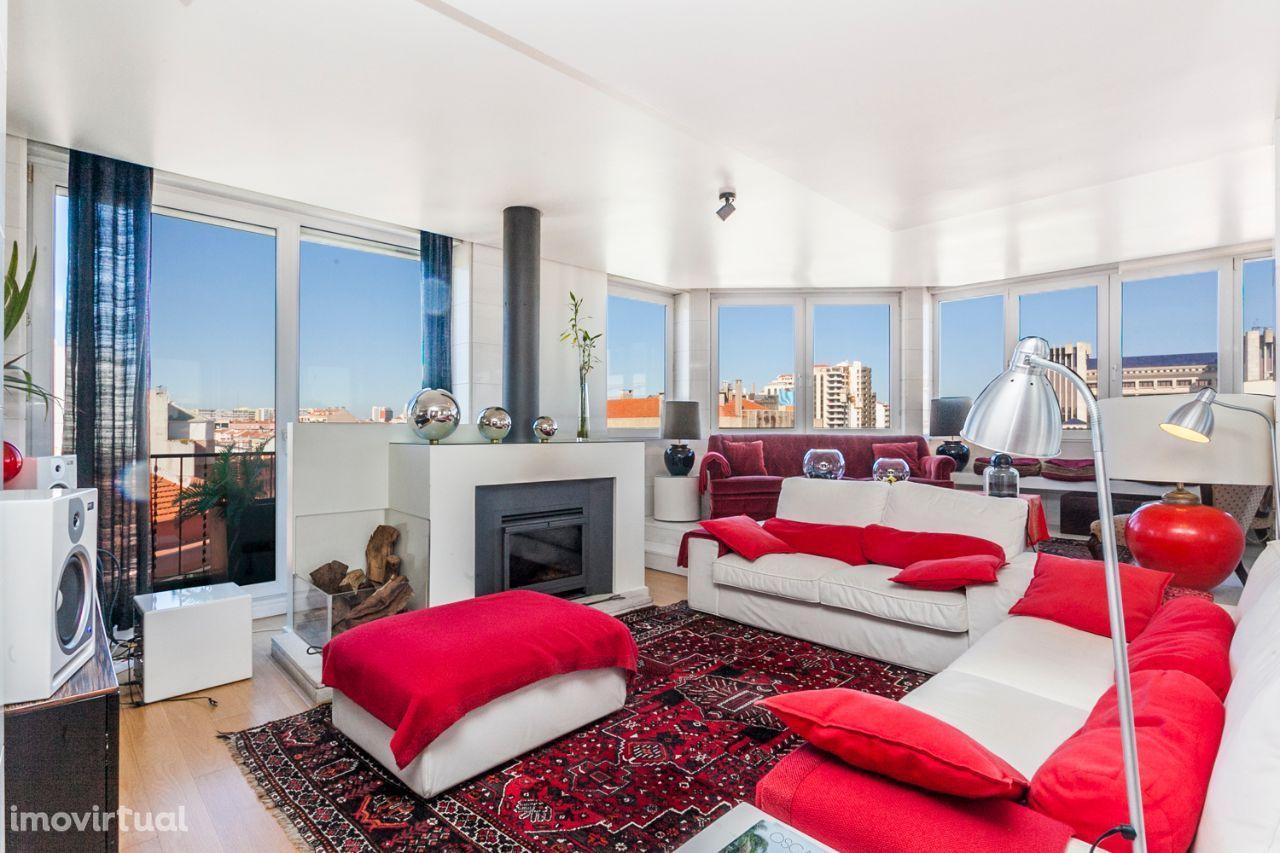 7 assoalhadas Avenidas Novas. T6 em penthouse com vista sobre Lisboa
