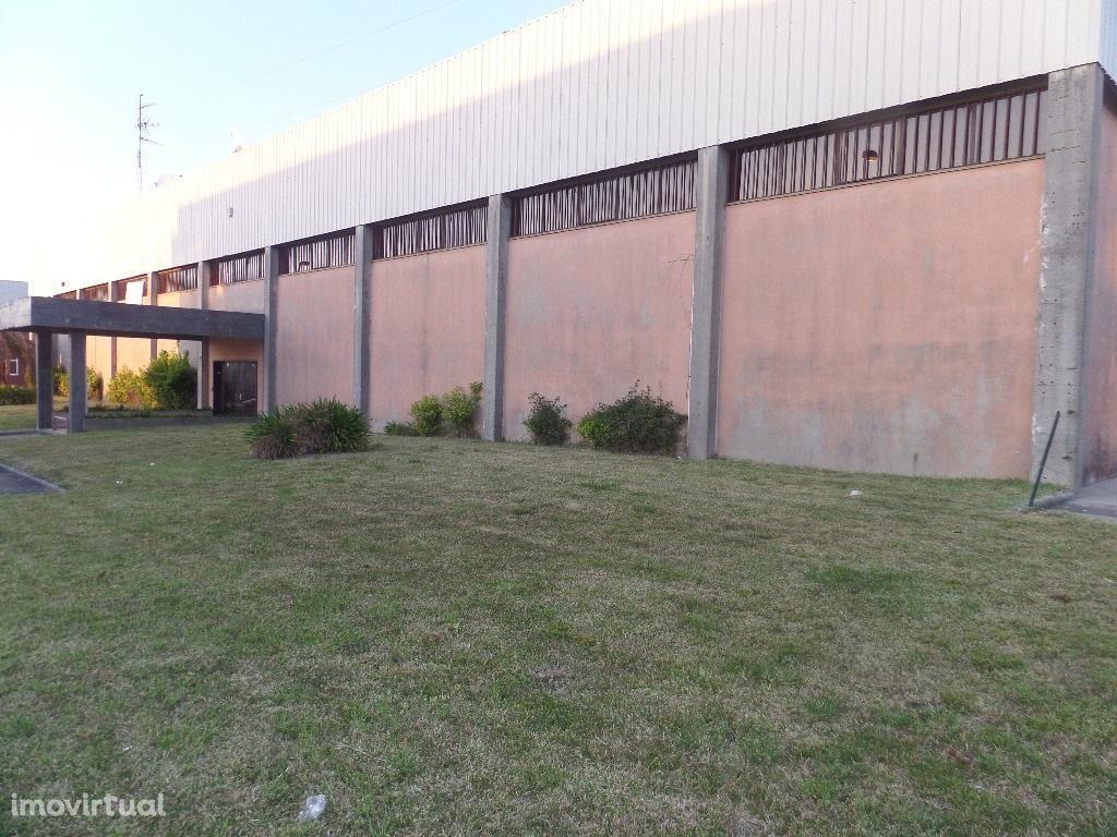 Armazém na zona industrial de Vila do Conde