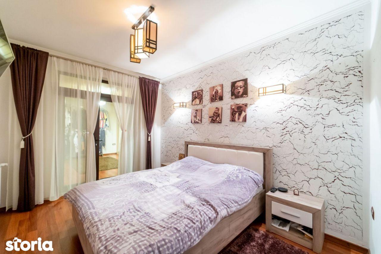 Apartament clasic cu 3 dormitoare și curte proprie