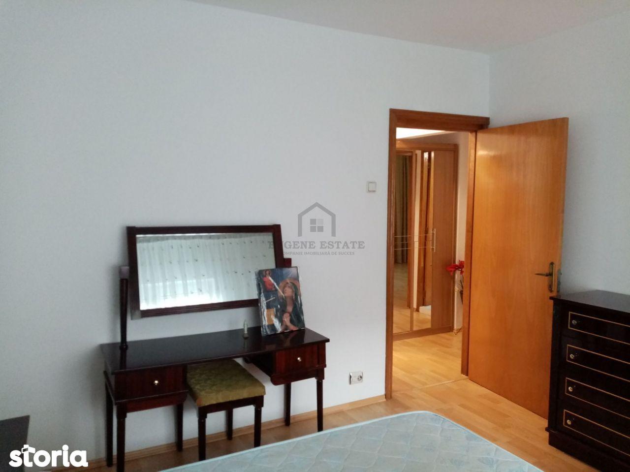 Apartament cu 3 camere - zona Sebastian
