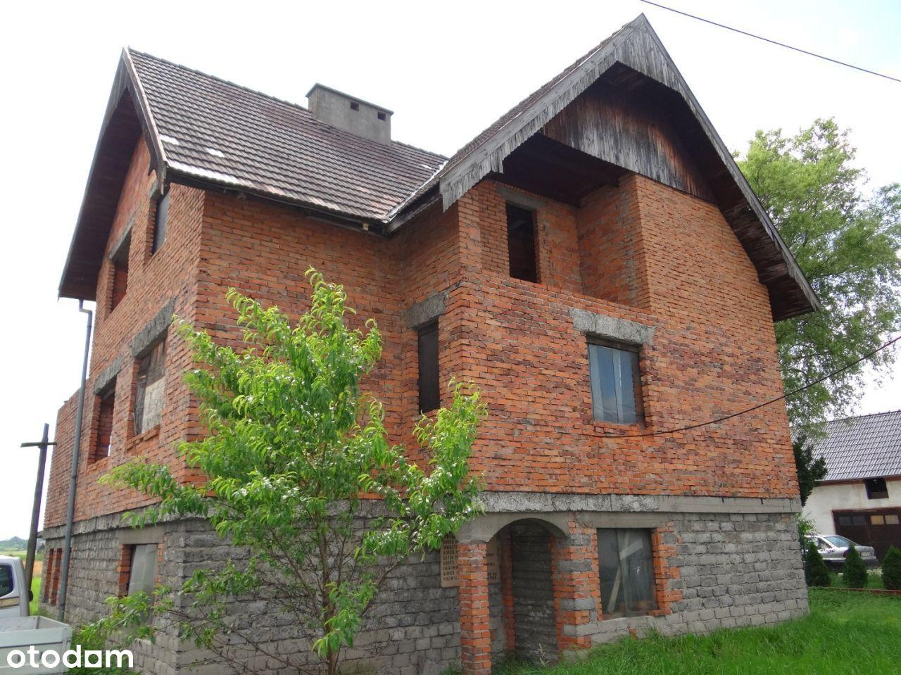 Dom w st. surowym otwartym w gm. Komprachcice