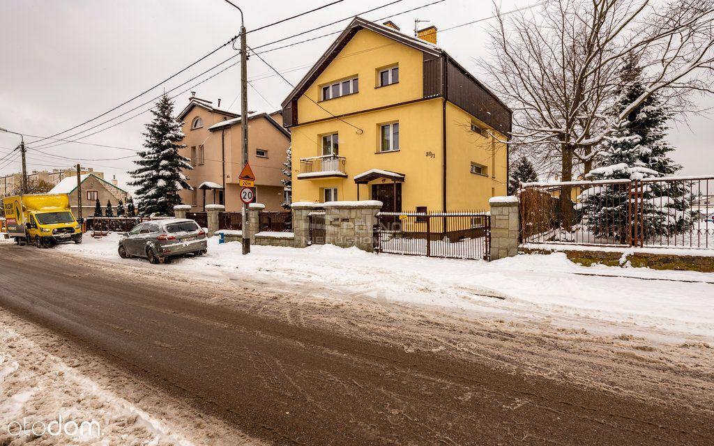 Dom oraz duży budynek gospodarczy, ul. Leśna