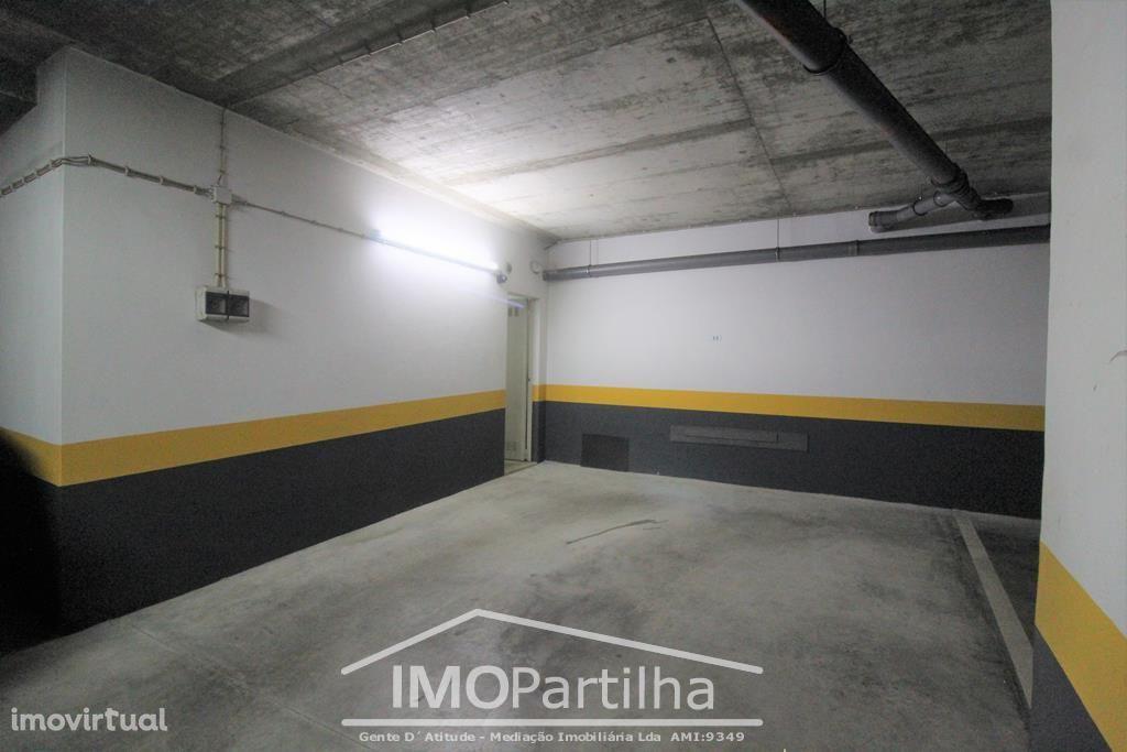 Parqueamento com Arrecadação - Mira-Sintra