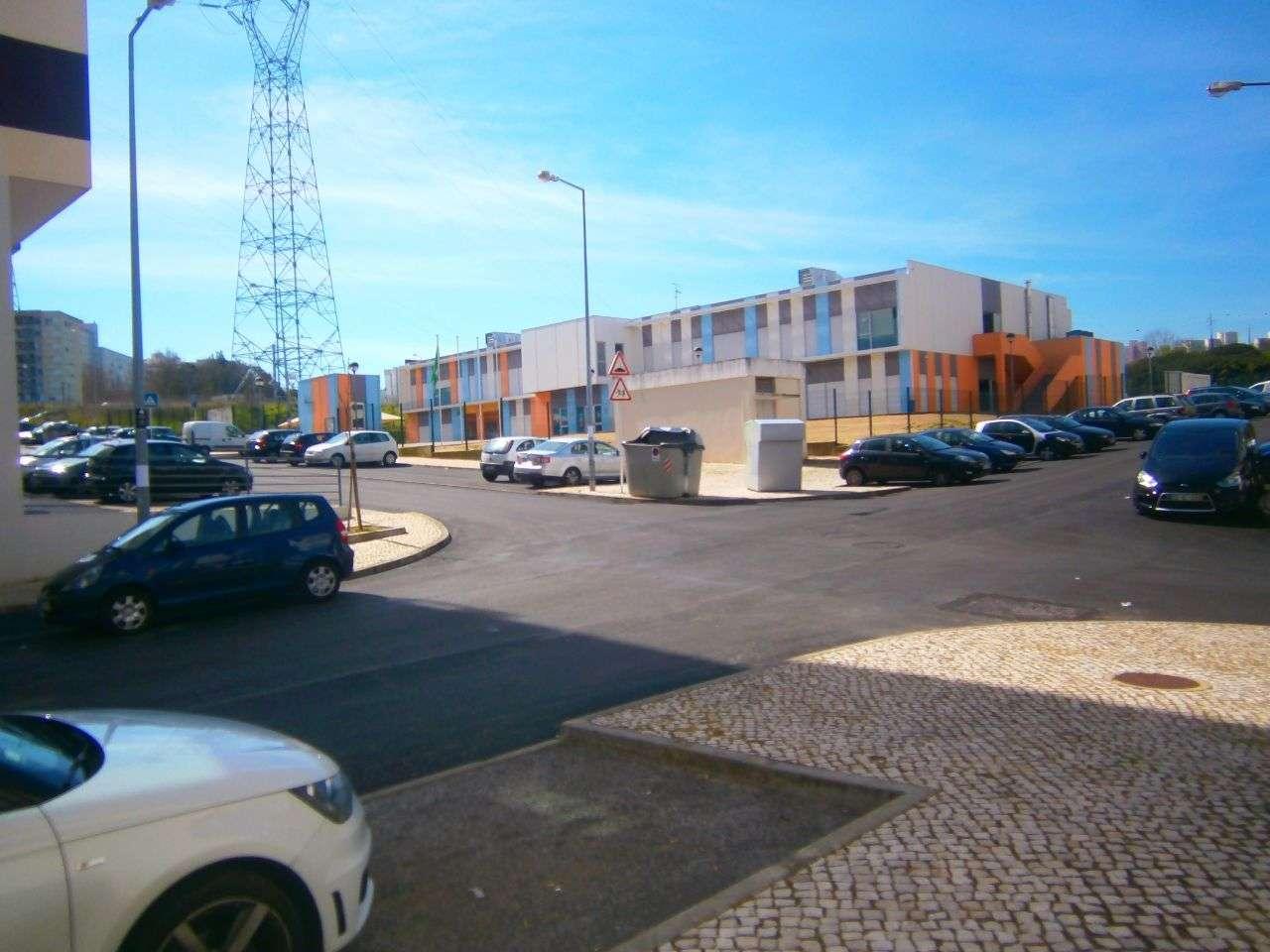 Apartamento para arrendar, Rua Sebastião e Silva, Santo António dos Cavaleiros e Frielas - Foto 11
