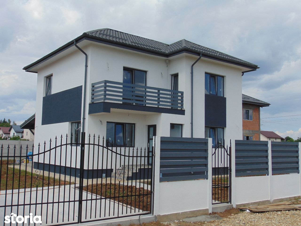 FARA COMISIOANE casa cu 4 camere si 2 bai P+1+pod terasa camera tehnic