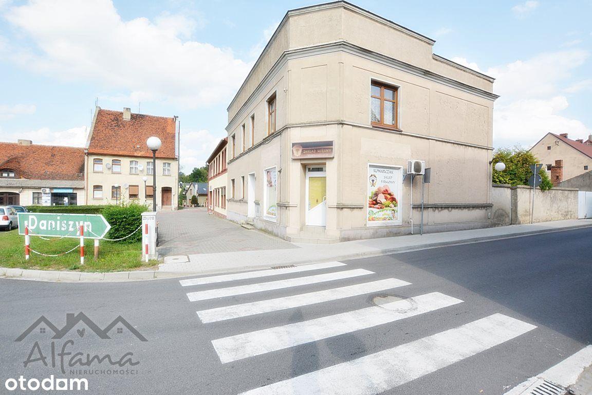 Kameralna kamienica w samym Rynku w Zdunach.