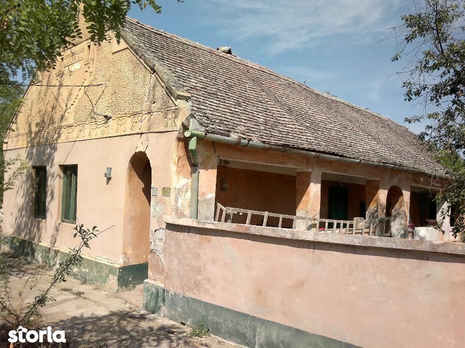 Vand casa in satul Gad comuna Ghilad sau schimb