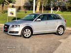 Audi A3 Sportback 1.6TDI 105Cv ATTRACTION POUCOS KMS - 2