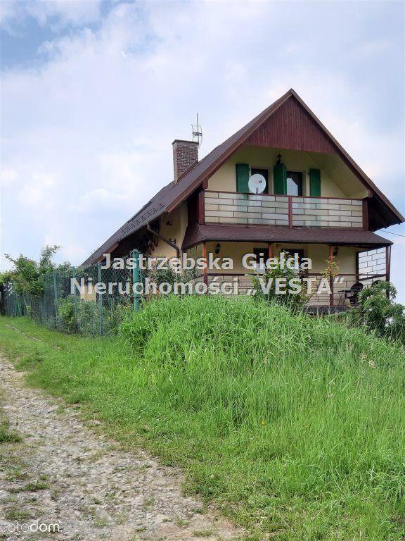 Dom na wzniesienu Cisownicy