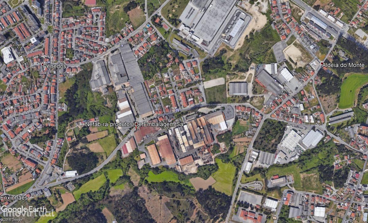 Terreno em zona industrial - 2200m2 - acessos rodoviários.