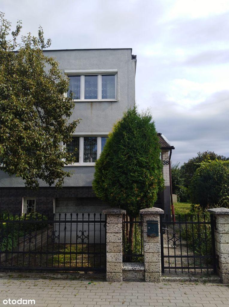 Sprzedam mały, ładny domek w spokojnej dzielnicy.