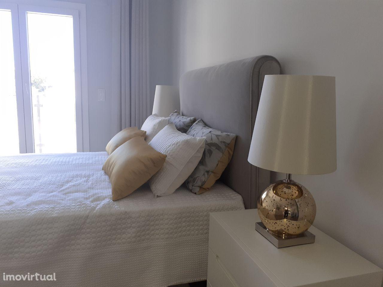 Apartamento T2 NOVOS com garagem em Queijas