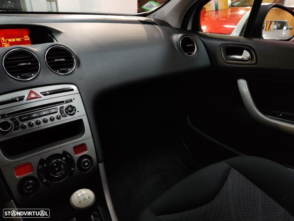 Peugeot 308 SW 1.6 HDi Active - 24