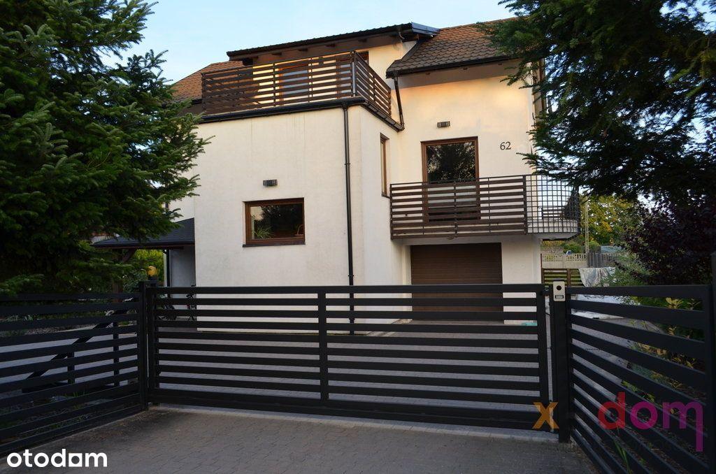 Na sprzedaż uroczy piętrowy dom w Bilczy