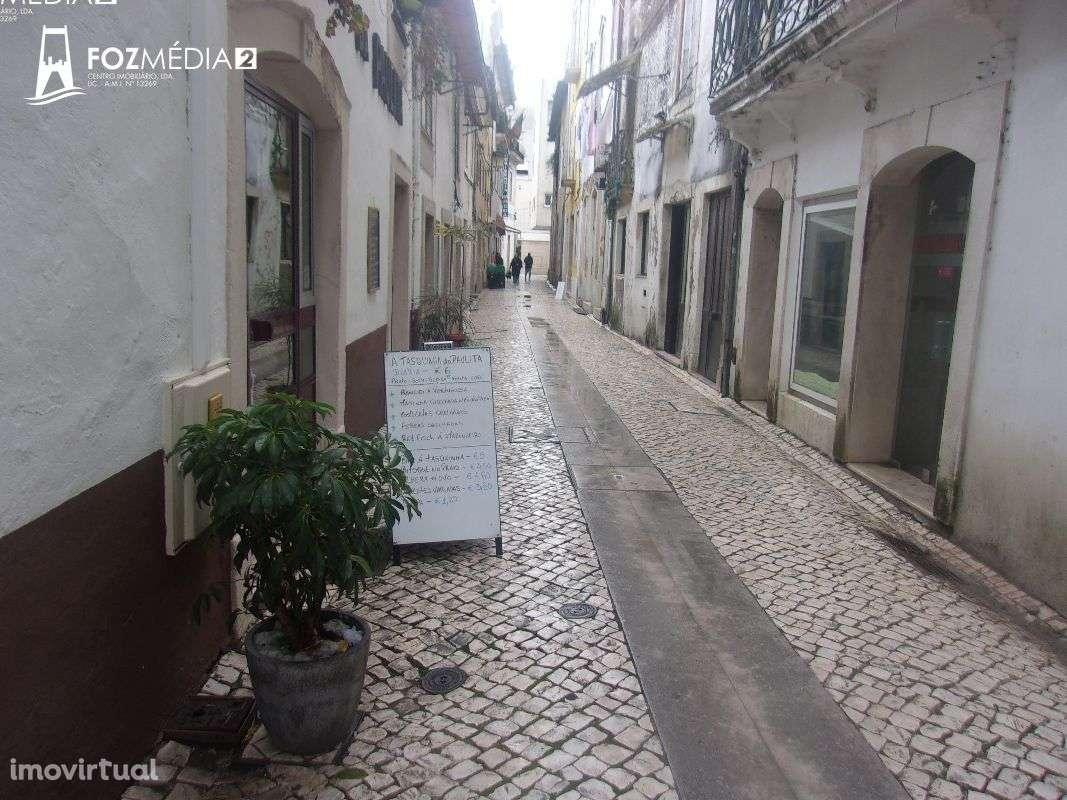 Prédio para comprar, Coimbra (Sé Nova, Santa Cruz, Almedina e São Bartolomeu), Coimbra - Foto 16