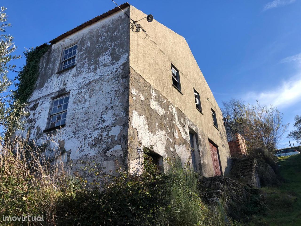 Casa em ruína em Sandomil, Seia