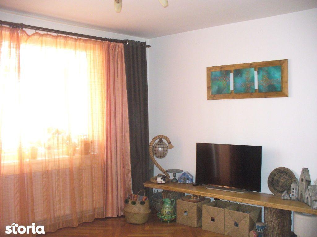 Apartament cu 4 camere zona Mihai Viteazu