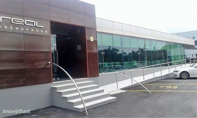Restaurante / Bar / Apartamento tipologia T4