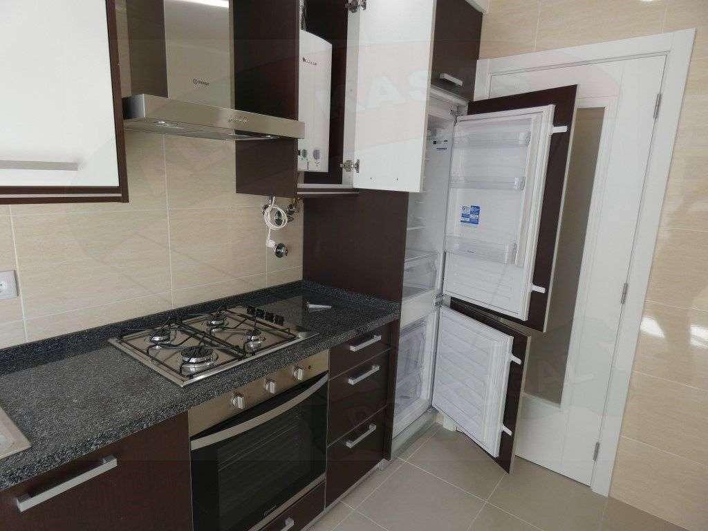Apartamento para comprar, Rua Elias Garcia, Falagueira-Venda Nova - Foto 2