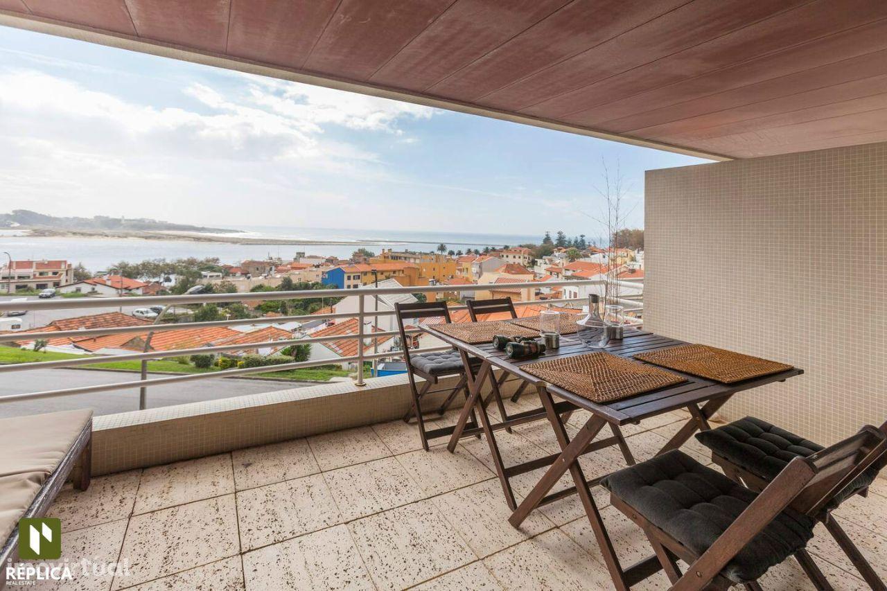 Apartamento T3 na Quinta de Miramar - Foz do Douro.