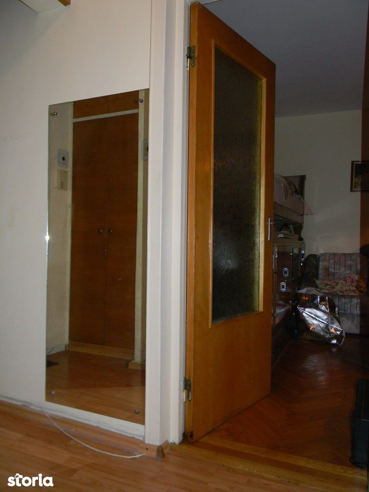 Vand apartament 2 camere, Calea Bucuresti