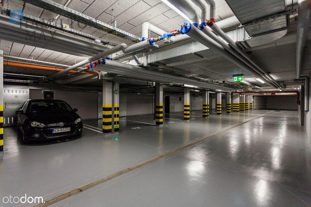 Miejsce w garażu podziemnym na Startym Mieście