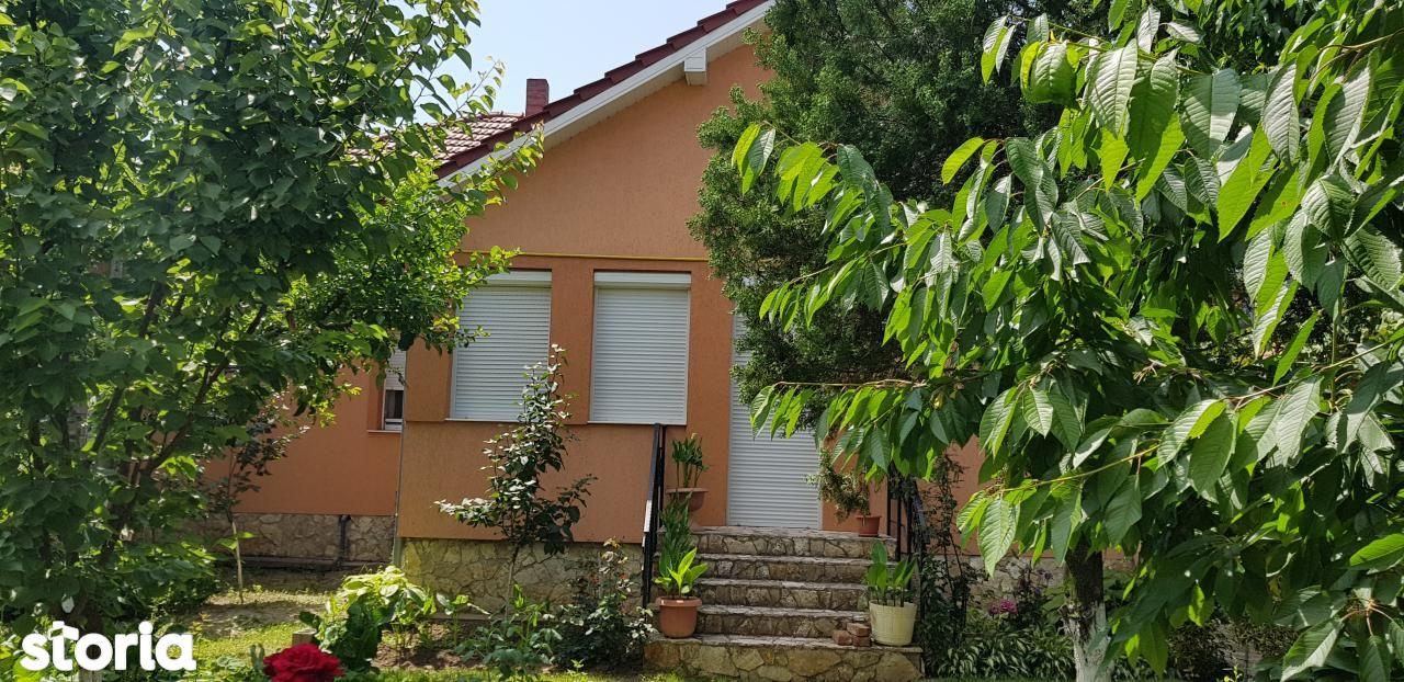 Casa de vanzare, zona Parcului Balcescu, ideala pentru 2 familii