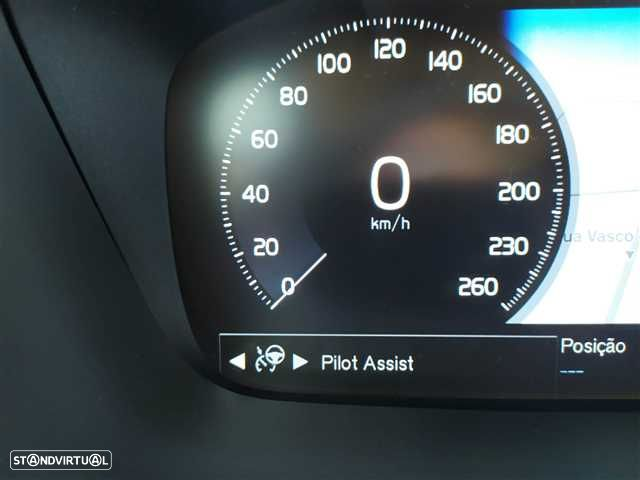 Volvo V90 2.0 T8 Momentum Plus AWD Geartronic - 13