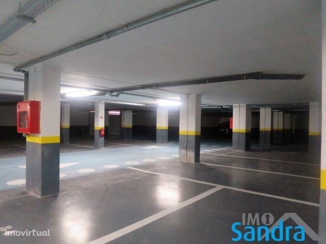 Garagens para venda Monção