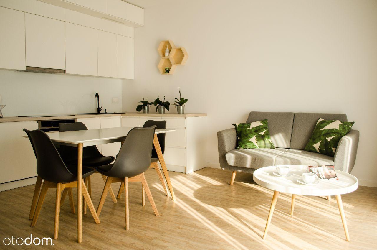 Trzy pokoje, Gocław, nowy budynek BEZPOŚREDNIO