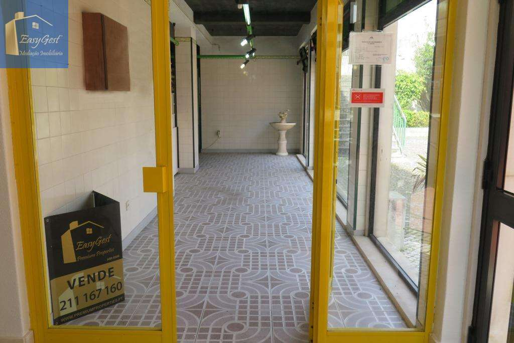 Loja para comprar, Sintra (Santa Maria e São Miguel, São Martinho e São Pedro de Penaferrim), Sintra, Lisboa - Foto 1