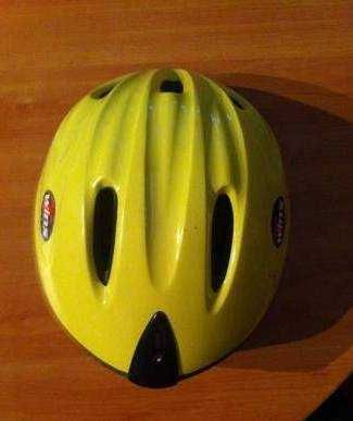 3 capacetes btt