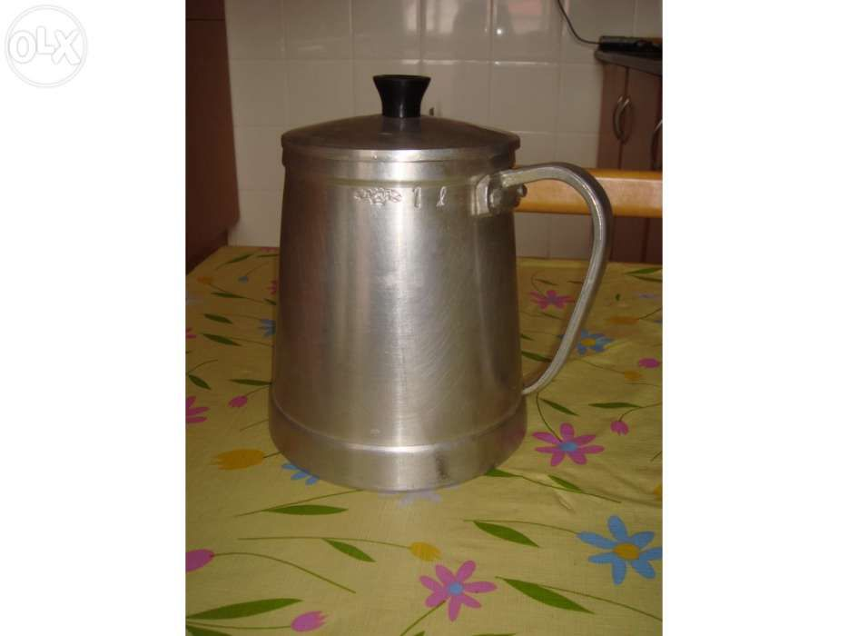 Cafeteira em ferro, 1 L, Nova
