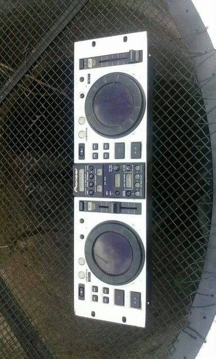 Leitor de música CD's DUPLO AUTO CMX-5000 aceito troca ou retomas