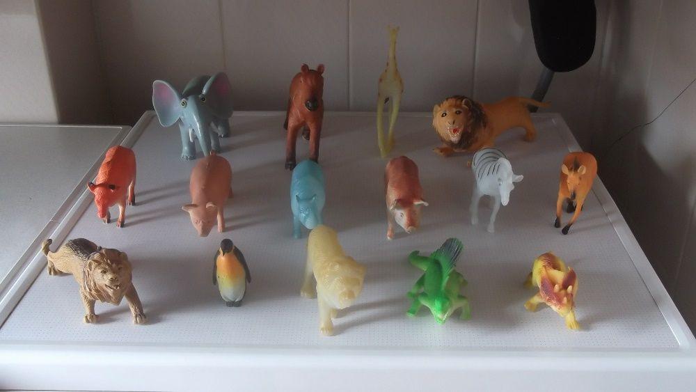vários animais para criança brincar