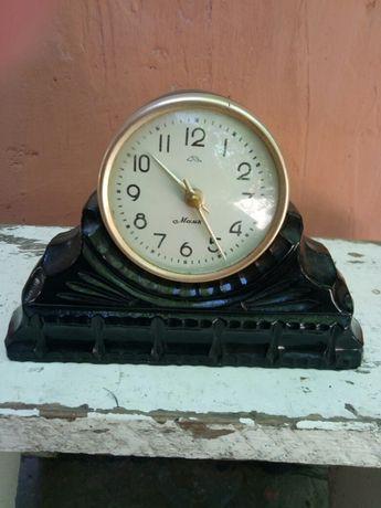 Старинные каминные часы продам буре продать в спб часы павел