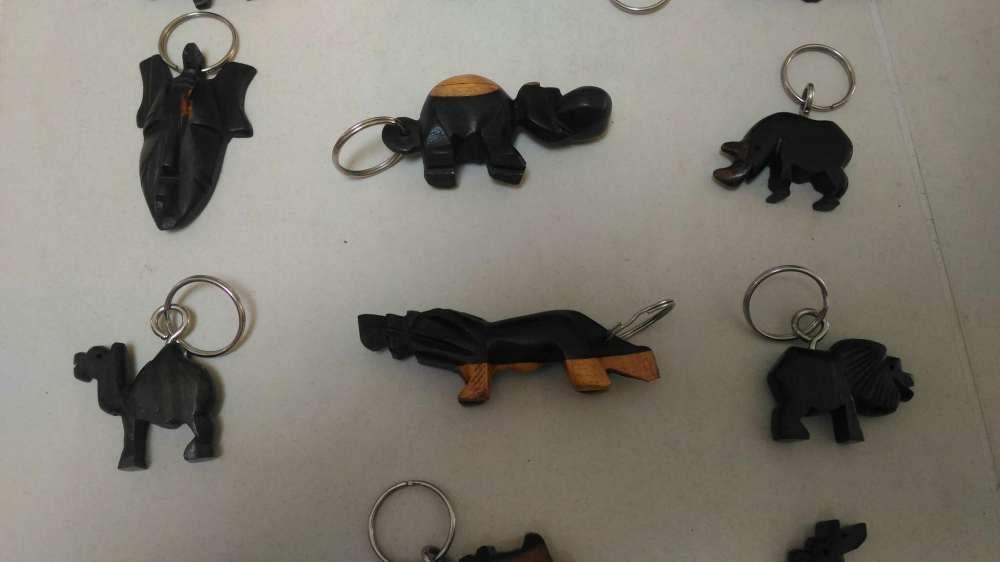 Porta chaves de madeira África Lamego (Almacave E Sé) - imagem 4