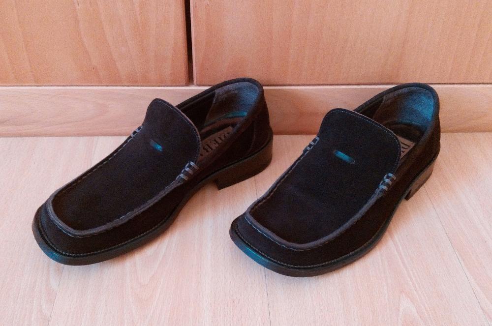 Sapatos em camurça castanha DIEBA nº40